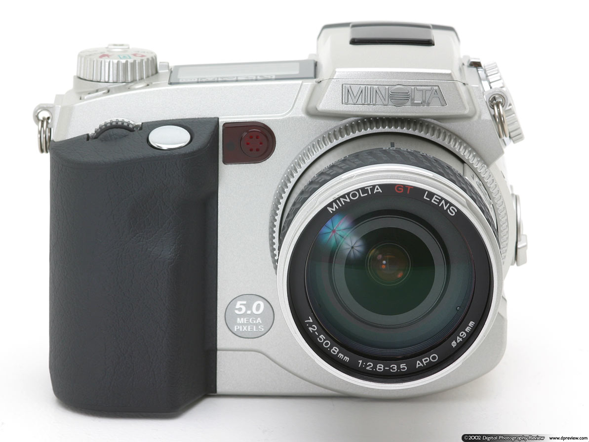 Last year Minolta stormed into the prosumer end of the market with what was  the first five megapixel digital camera, the DiMAGE 7.