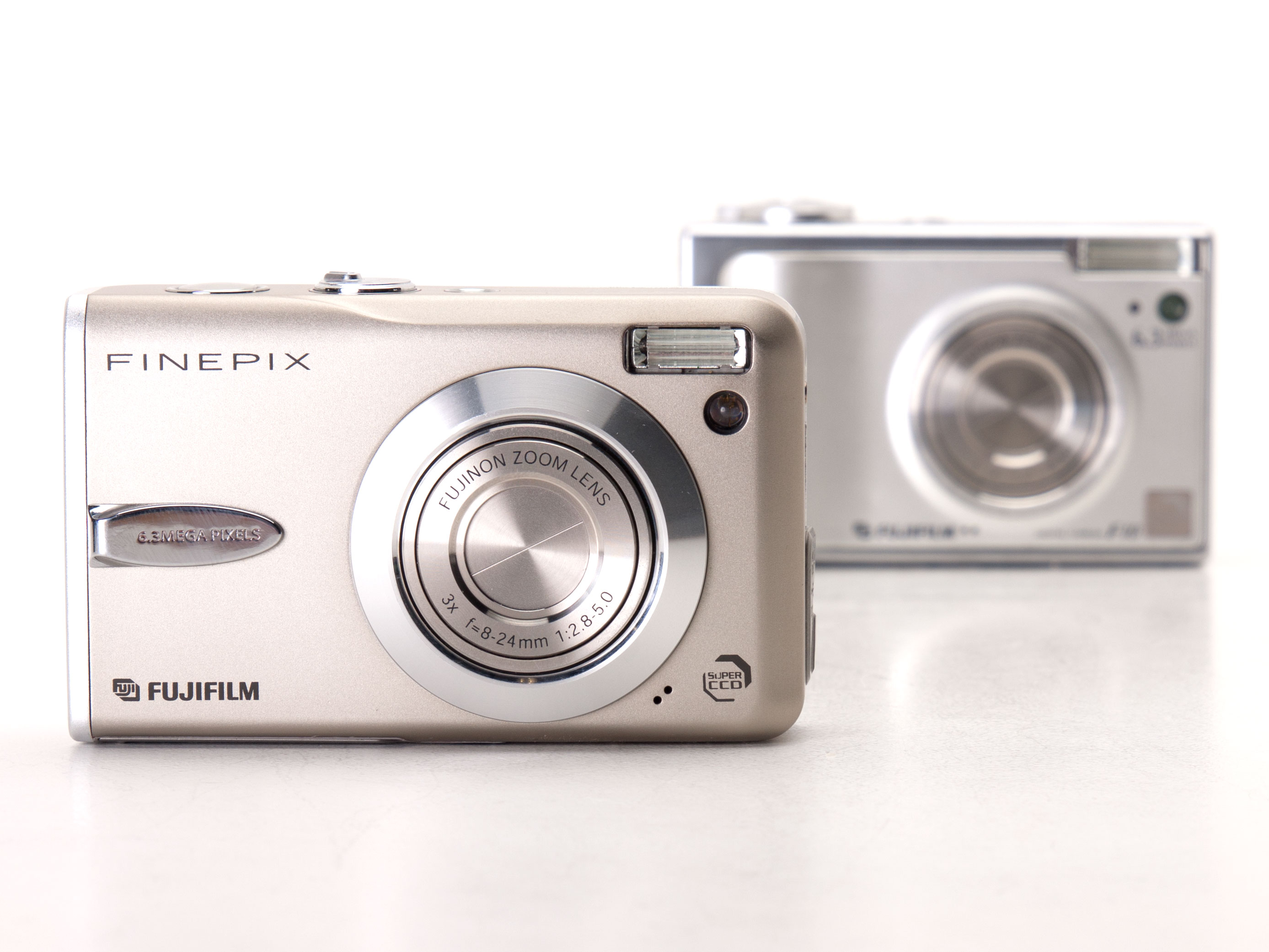 The FinePix F10 was eventually succeeded by the F30 - considered by many to  be one of the few real 'classics' of the compact point-and-shoot era.