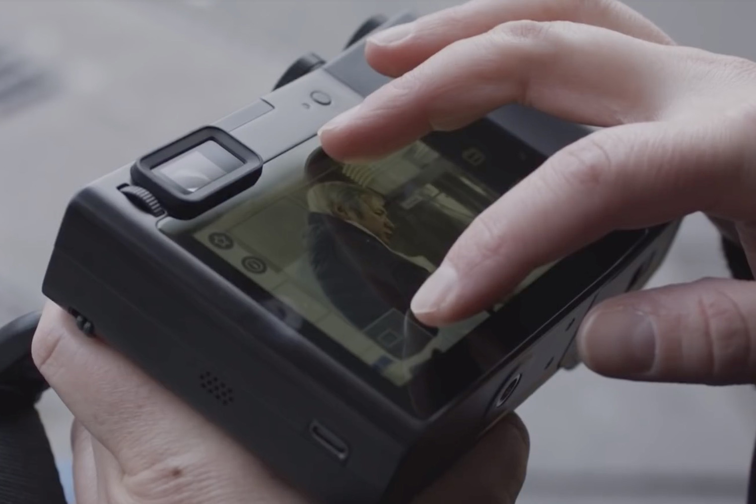 Video: Zeiss shows hands-on footage of its ZX1 camera with