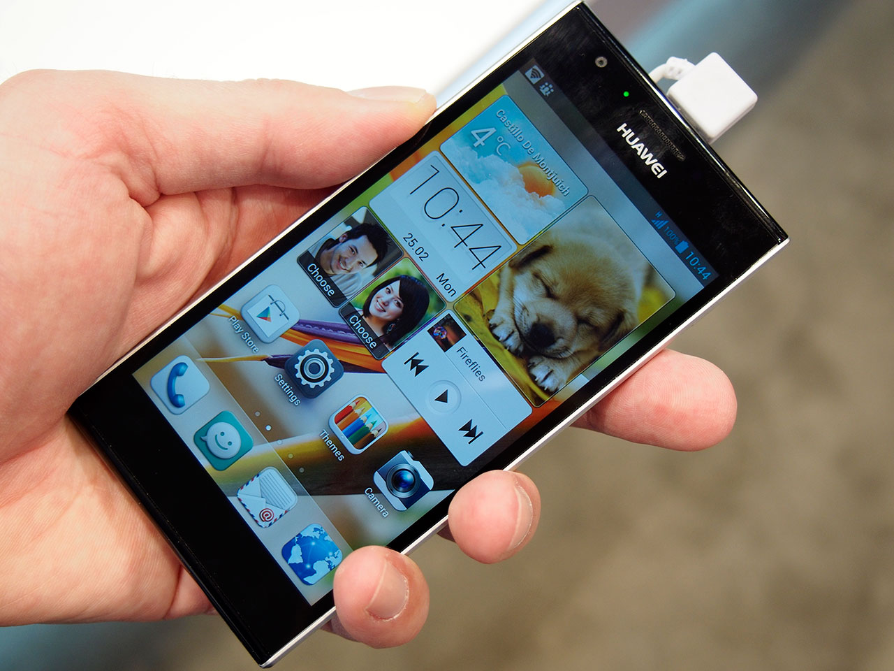 Hands-on with the world's fastest smartphone: the Huawei ...