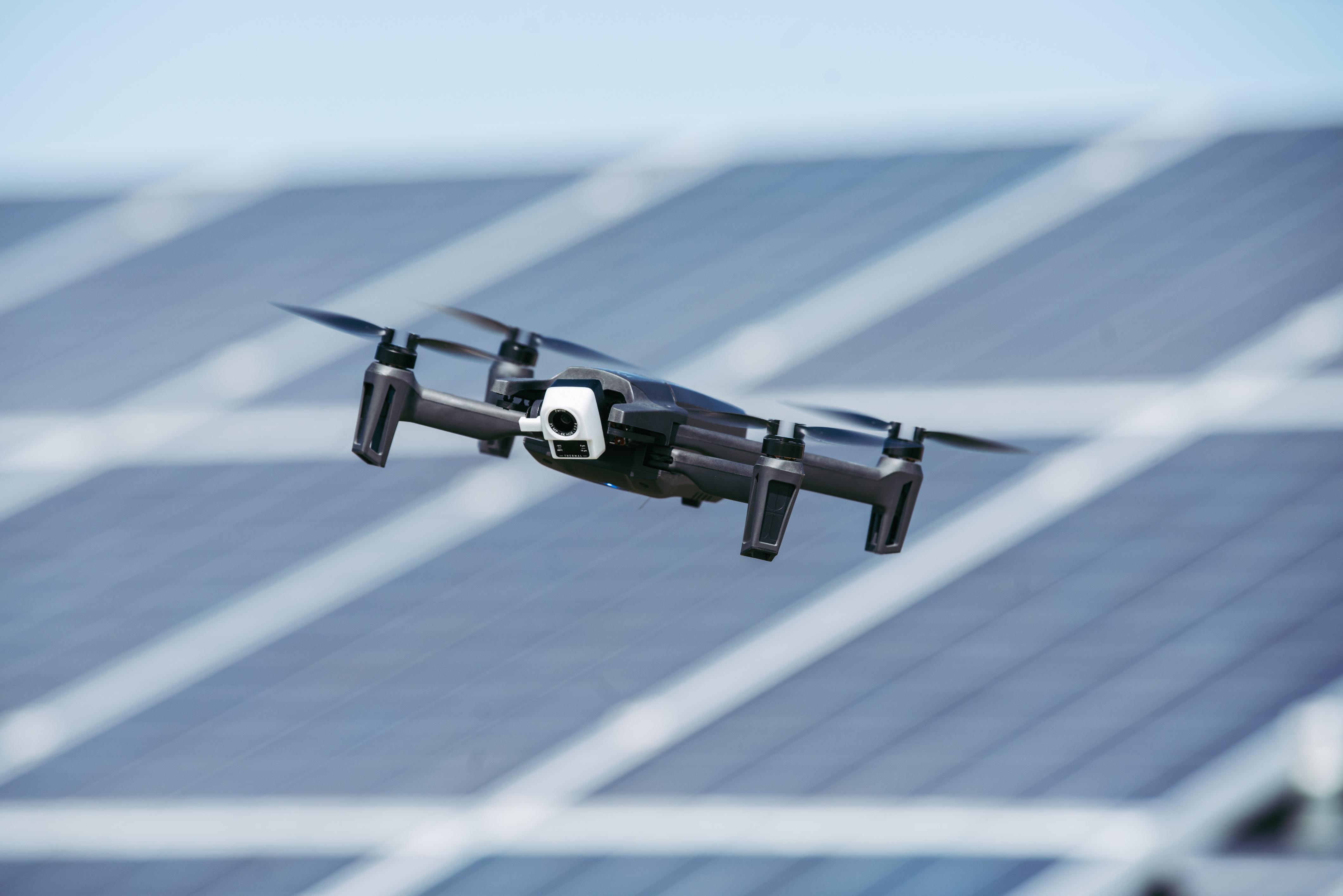 Parrot Anafi Thermal drone brings FLIR camera, lighter