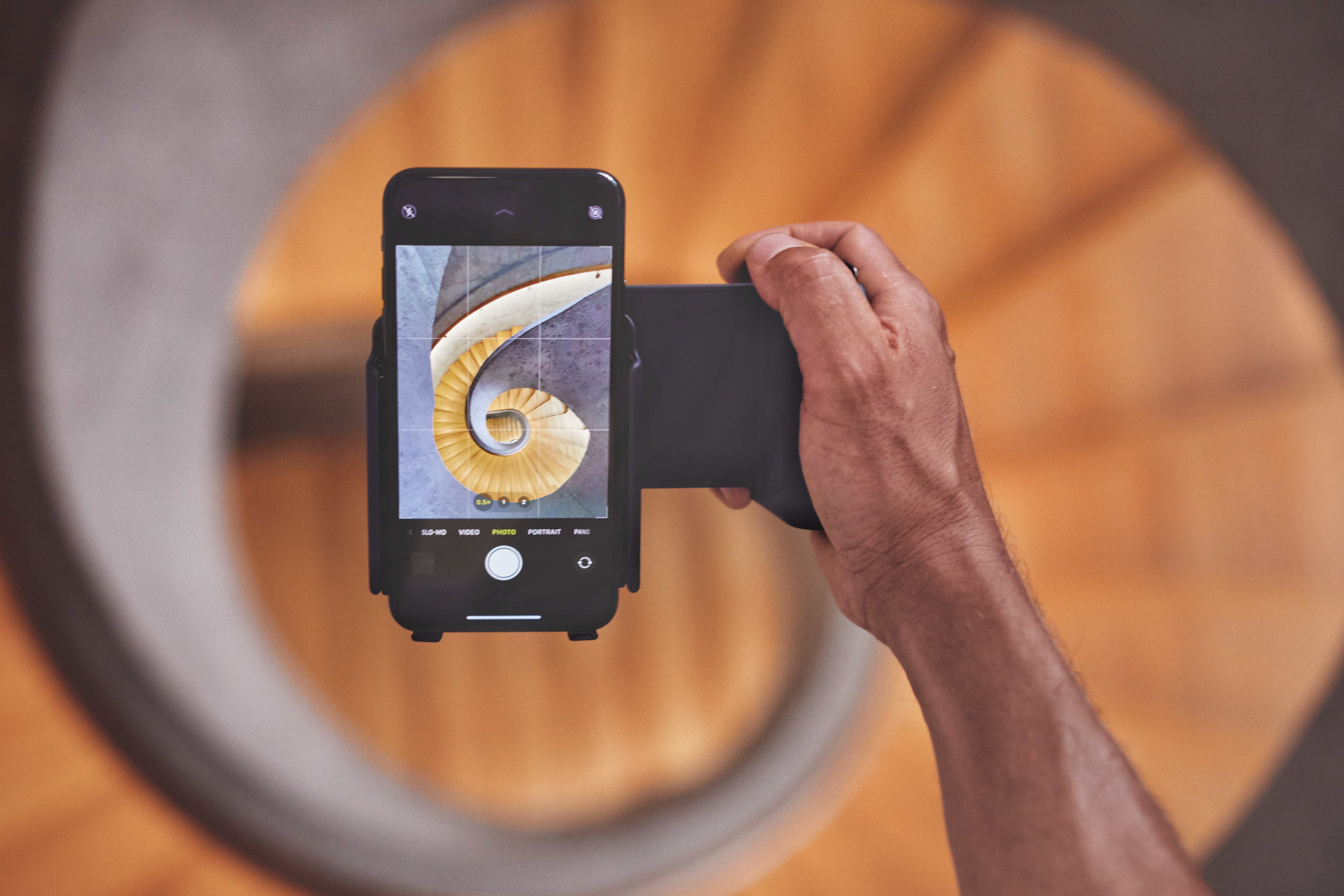 The Shiftcam Progrip Wants To Turn Your Smartphone Into The Ultimate Camera Rig Digital Photography Review