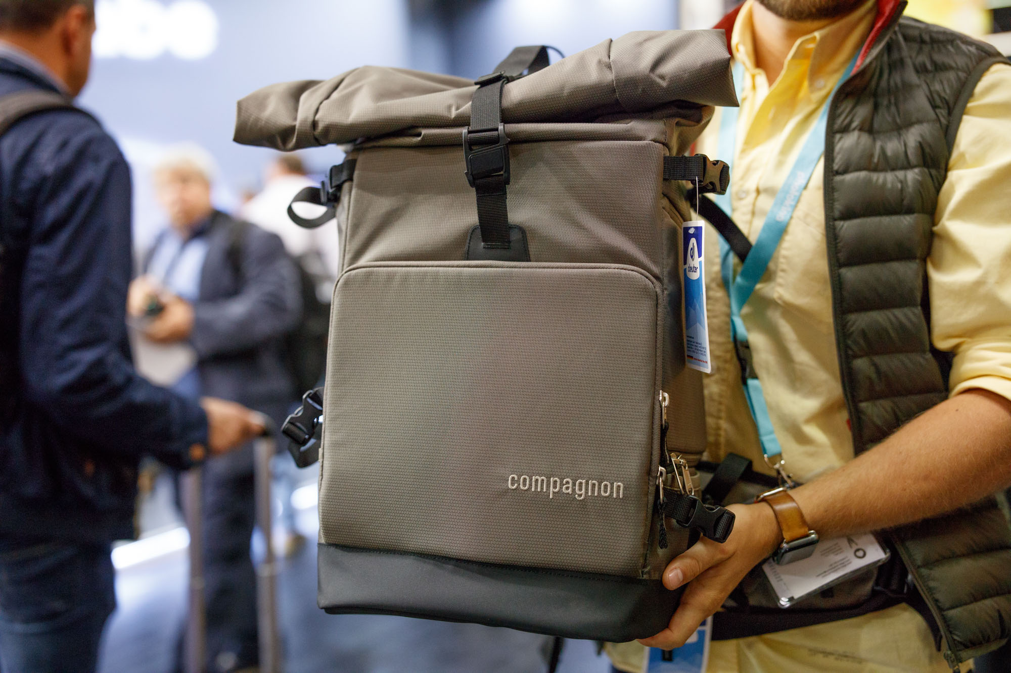 4dec6372717cf4 Compagnon is a relatively new bag brand. I hadn t heard of them prior to  Photokina because they are still working out US distribution