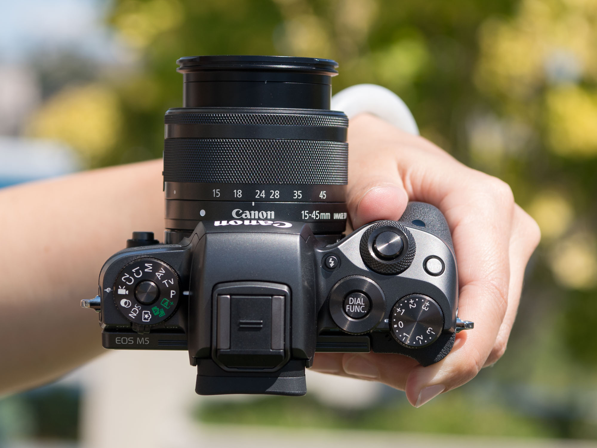 Modern Mirrorless: Canon EOS M5 Review: Digital ...