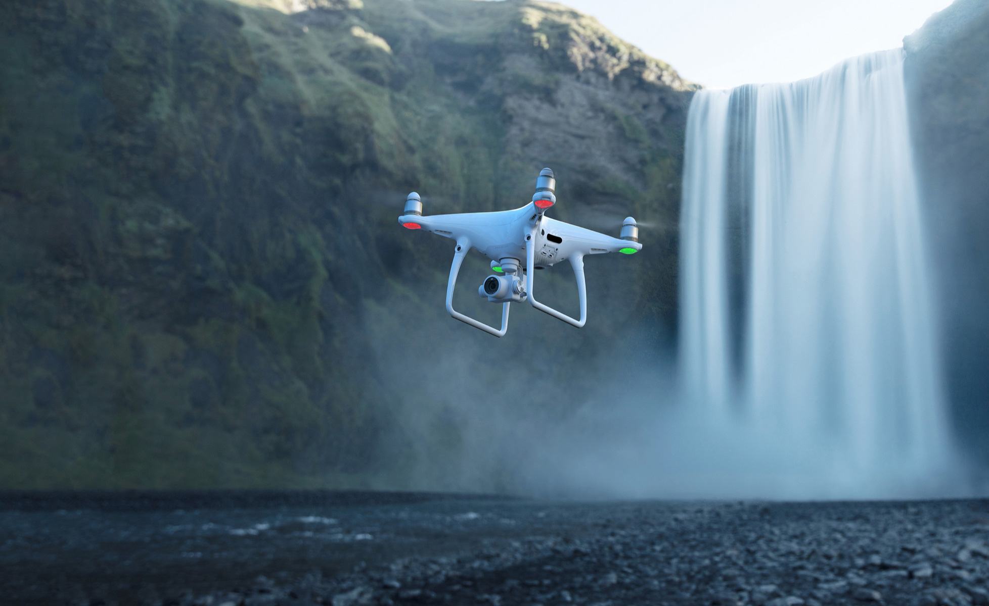 DJI launches Phantom 4 Pro V2.0 drone with 'OcuSync' and ...