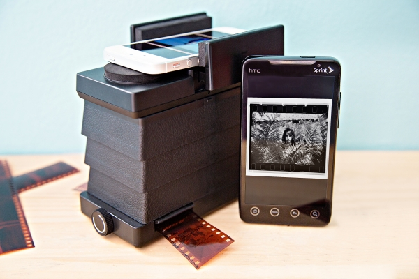 Smartphone film scanner transfers negatives to mobile