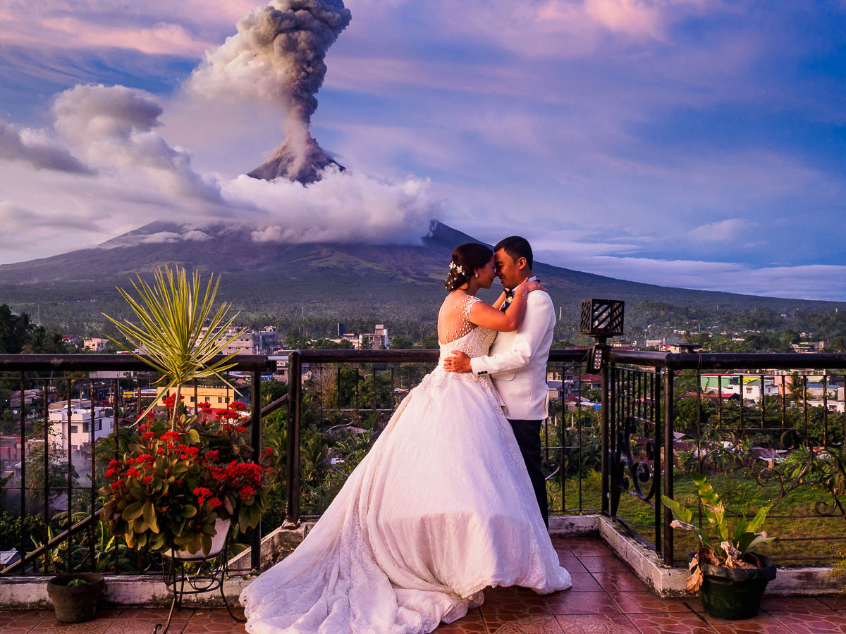Behind the scenes the story behind this volcanic eruption wedding behind the scenes the story behind this volcanic eruption wedding photo digital photography review junglespirit Choice Image