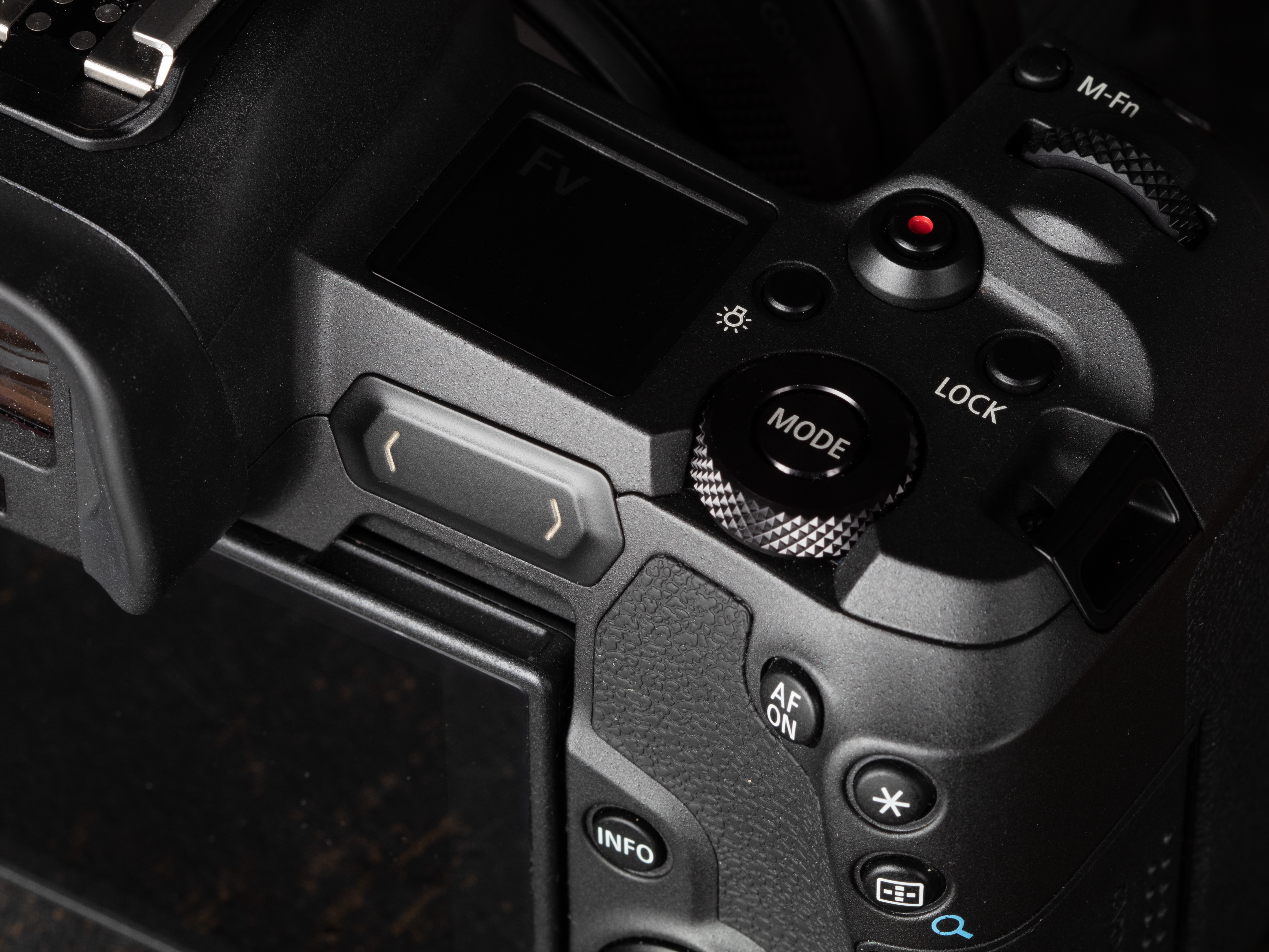 The M-Fn Bar along the back of the camera can be customized to act as two  buttons and a  swipeable  control pad. None of us have been very impressed a0e9d81559375