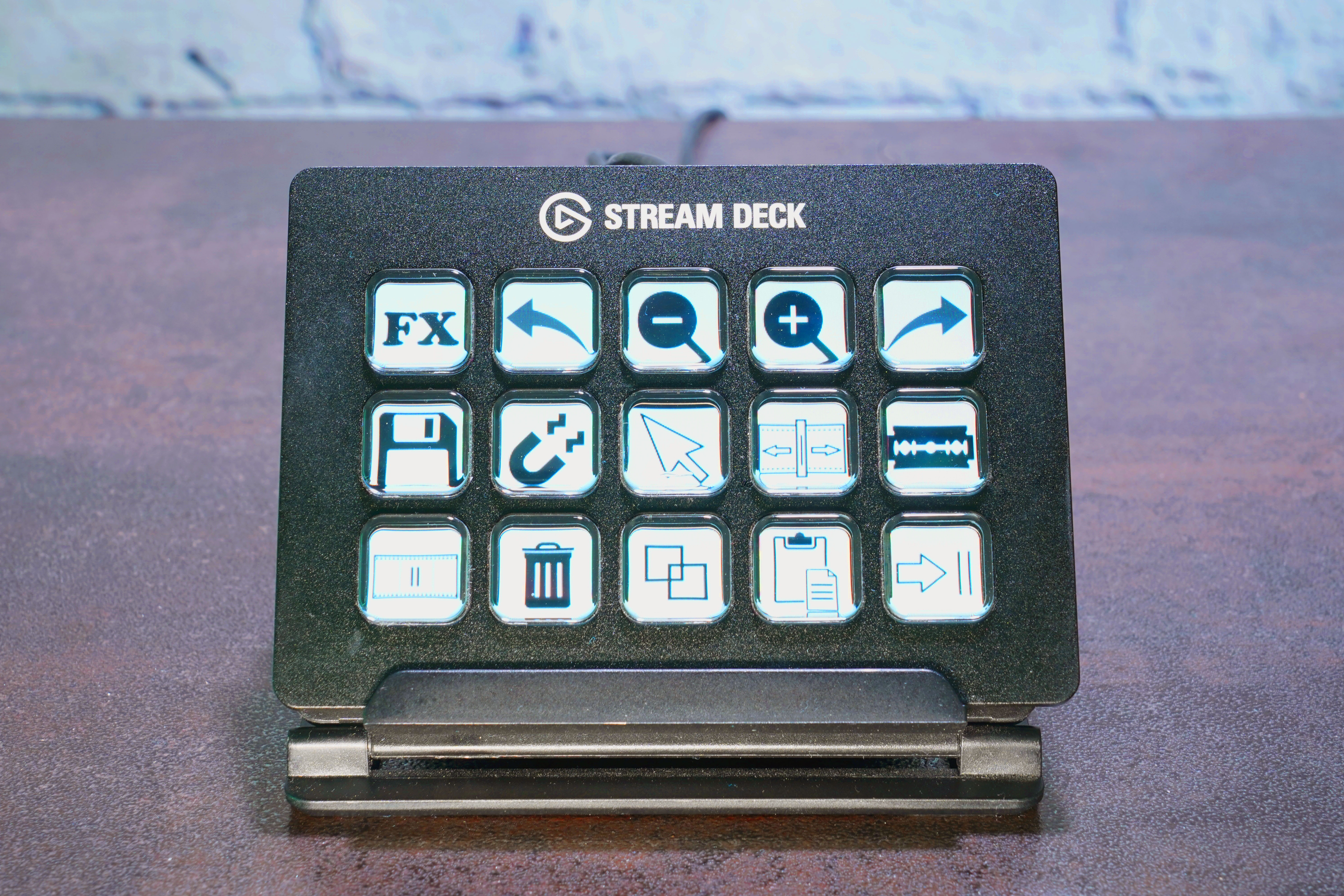 Review: The Elgato Stream Deck is a customizable hardware