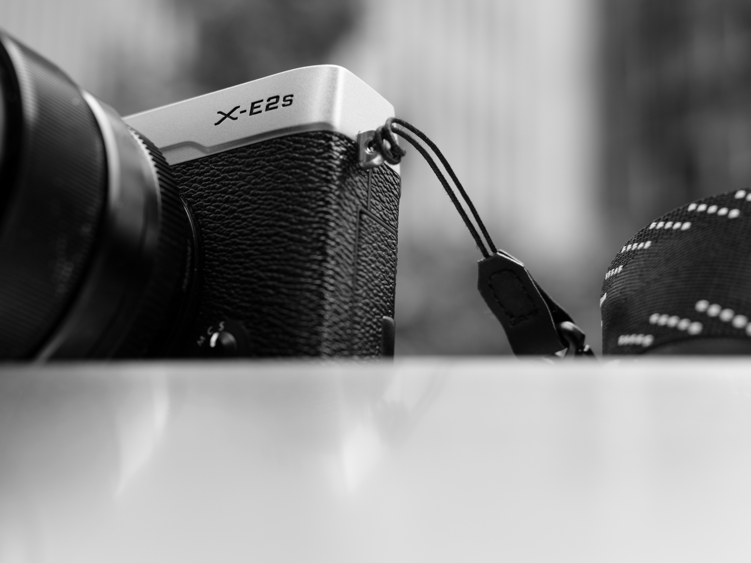 Still Solid Fujifilm X E2s Review Digital Photography 7artisans 12mm F 28 For Fuji Black Specifications