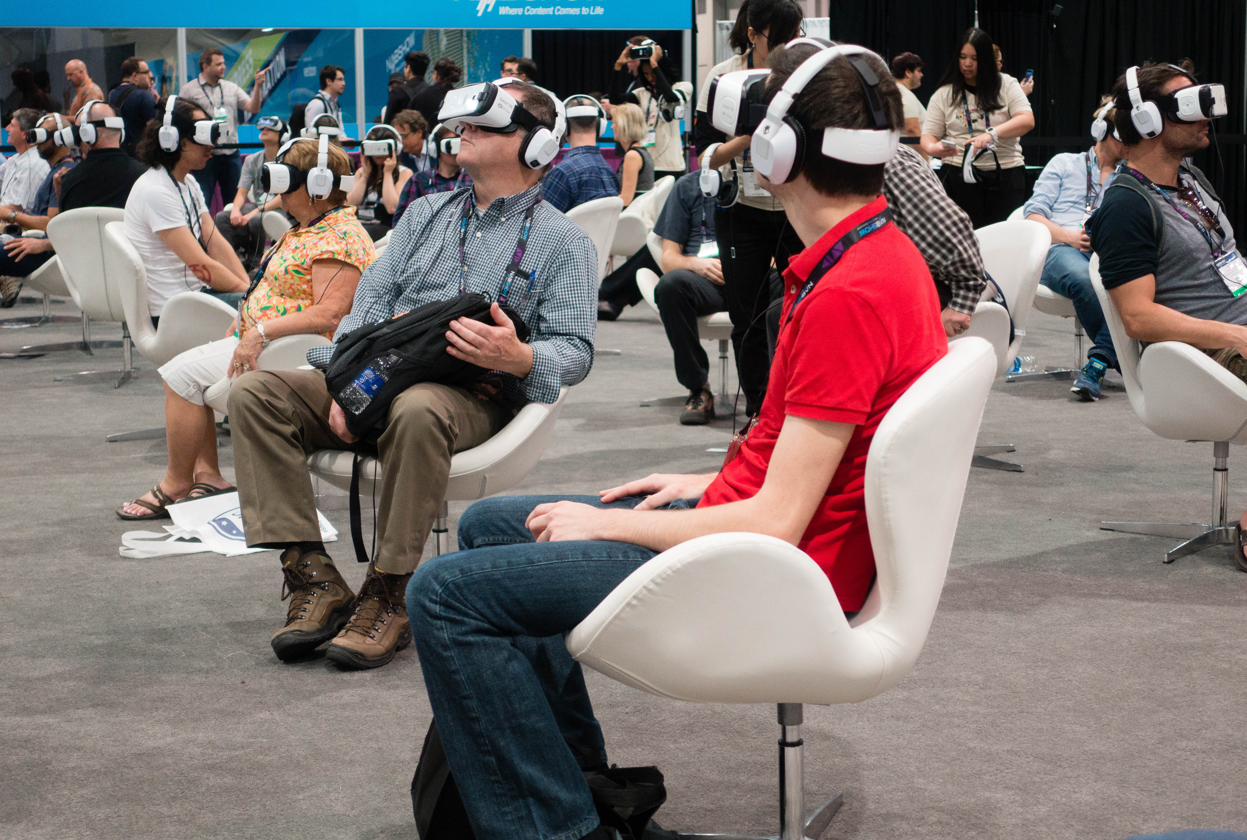 Virtual Exhibition Stand : Virtual reality it s not just for gamers anymore digital