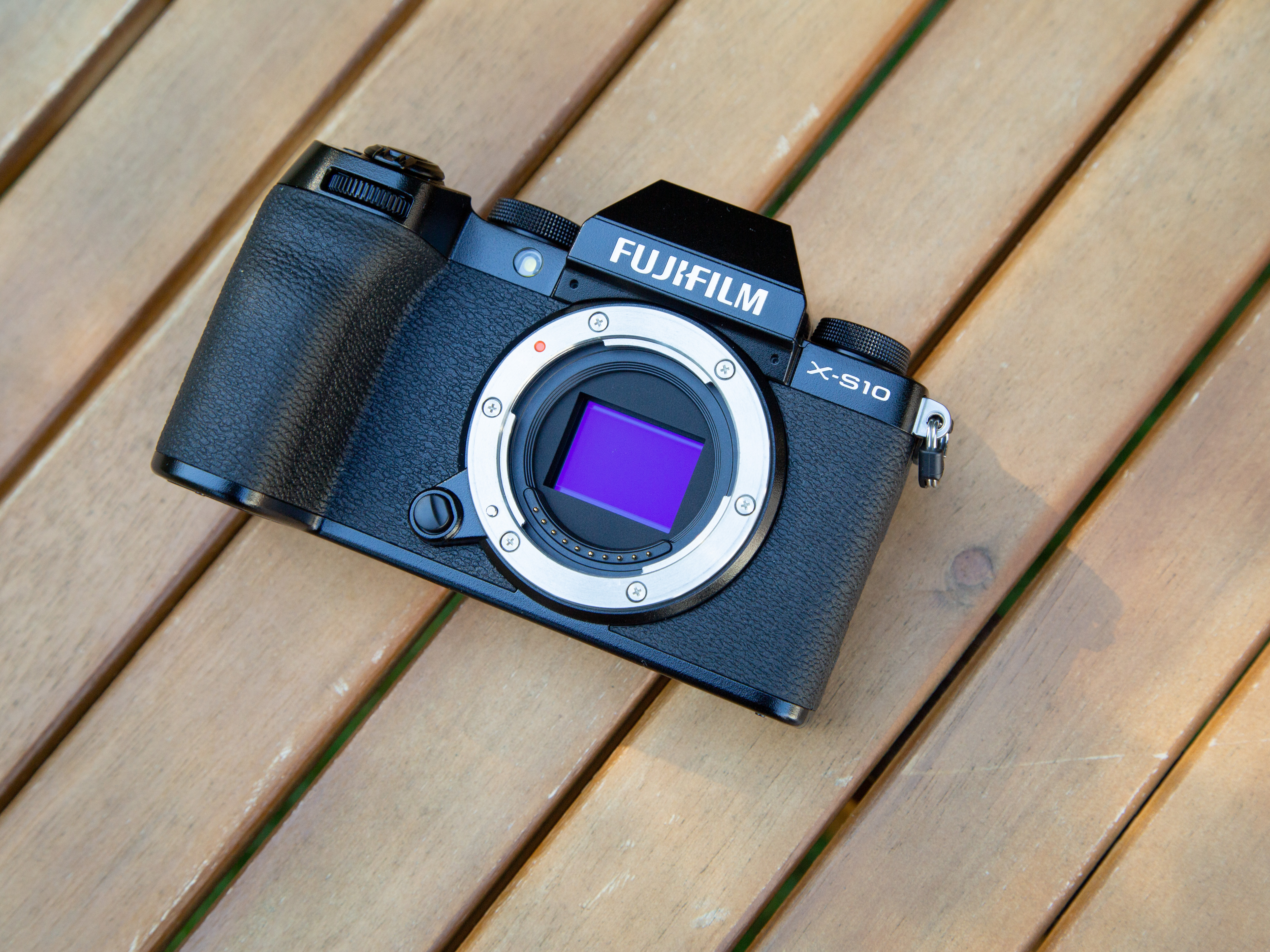 Fujifilm X S10 full review An image stabilized camera for almost ...
