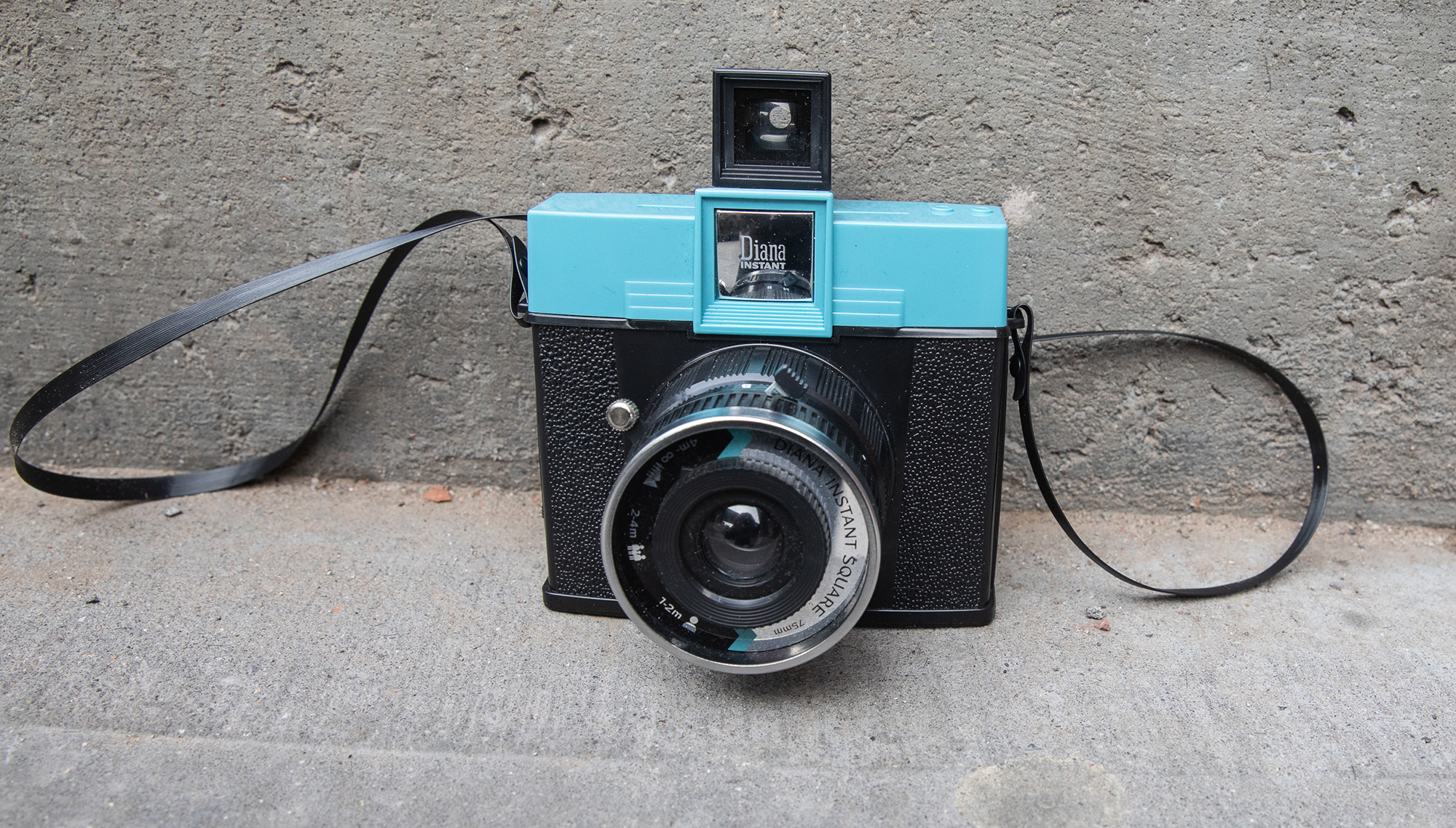 Review: Lomography Diana Instant Square: Digital Photography